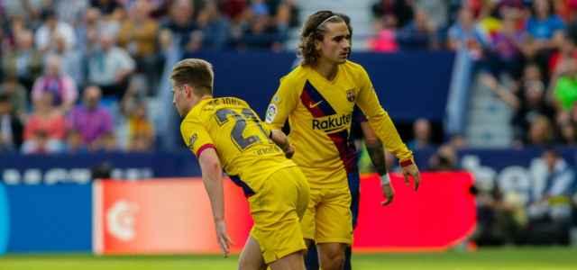 De Jong Griezmann Barcellona giallo lapresse 2019 640x300