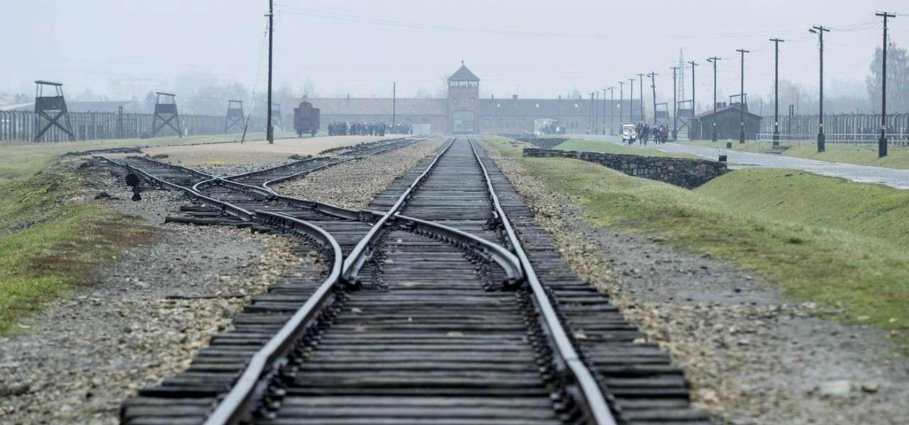 auschwitz ebrei olocausto 1 lapresse1280