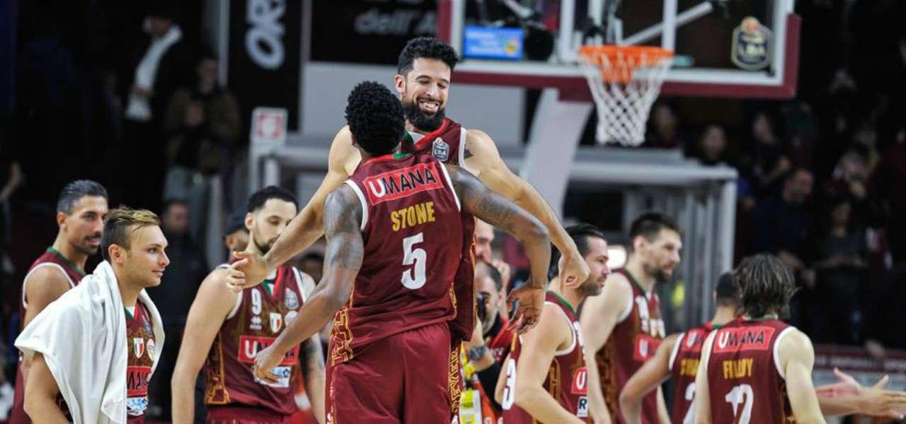 Watt Stone Venezia basket esultanza facebook 2019