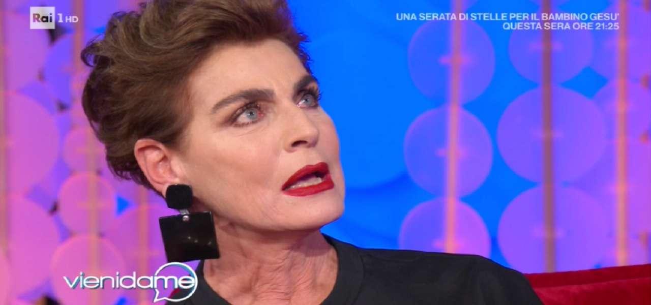 """Antonia Dell'Atte/ Piange per la madre: """"Mi ha insegnato a..."""" (Vieni ..."""