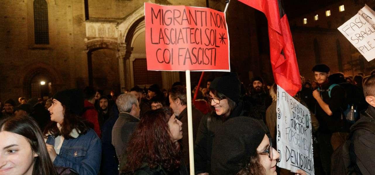 bologna protesta sardine 3 lapresse1280
