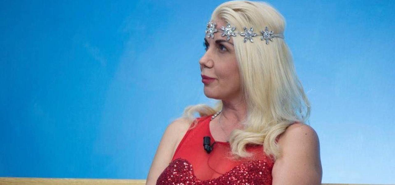Moana Conti, ex pornostar/ Barbara DUrso aiutami, sto