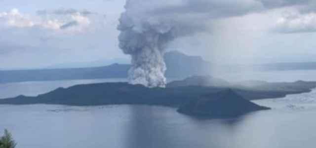 Filippine, vulcano Taal