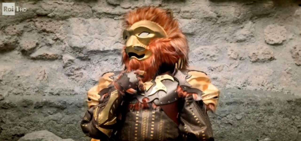 leone cntante mascherato
