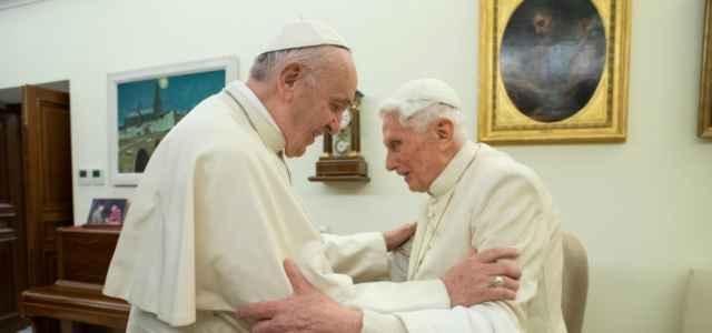 papa francesco benedettoXVI 2 lapresse1280 640x300