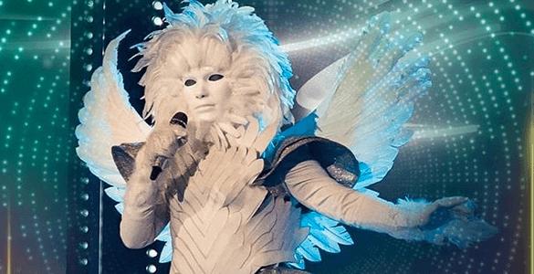 Chi è l'angelo? Gli indizi svelati dal concorrente mascherato