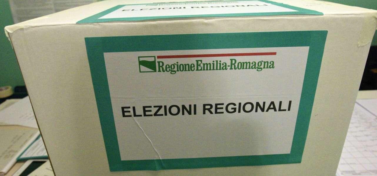 elezioni urne seggio 1 lapresse1280