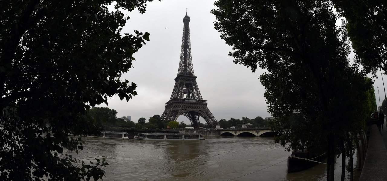 Tour Eiffel Parigi turismo Finkielkraut