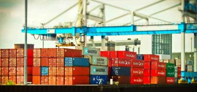 container porto pixabay1280 640x300