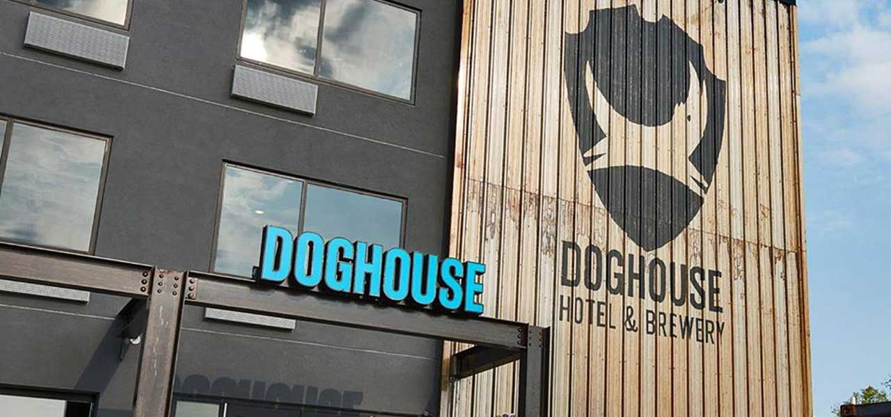 Doghouse Hotel negli USA