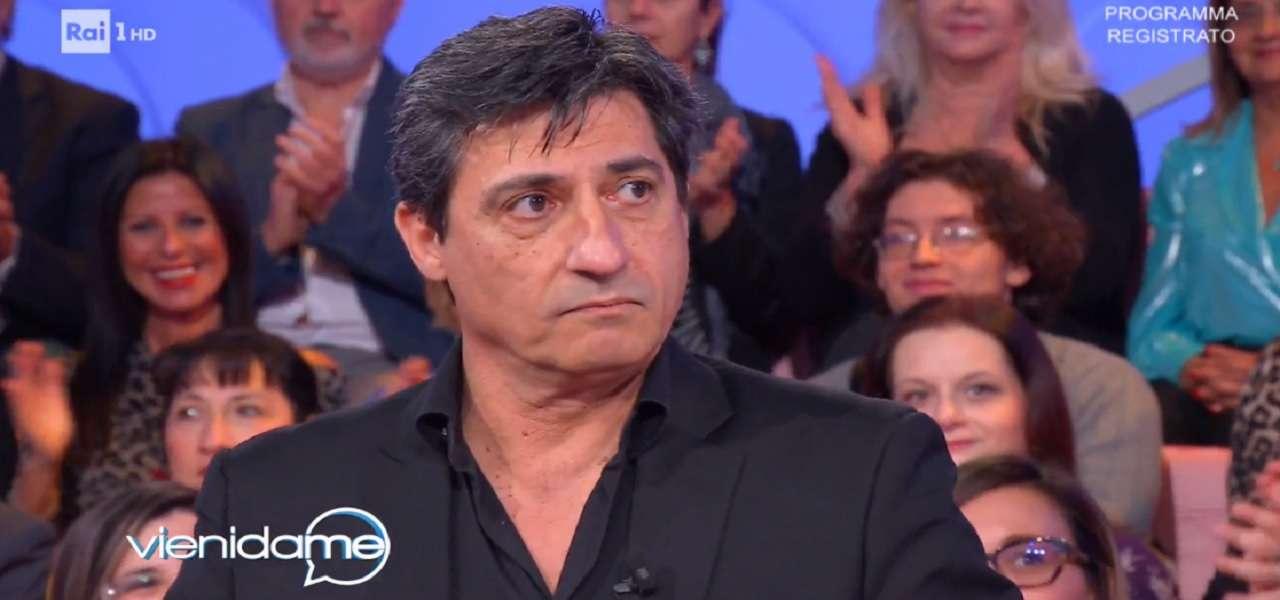 """EMILIO SOLFRIZZI/ """"Ho sconfitto il bullismo con l'ironia"""" (Vieni da me)"""