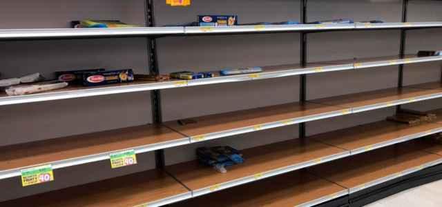 Supermercati svuotati