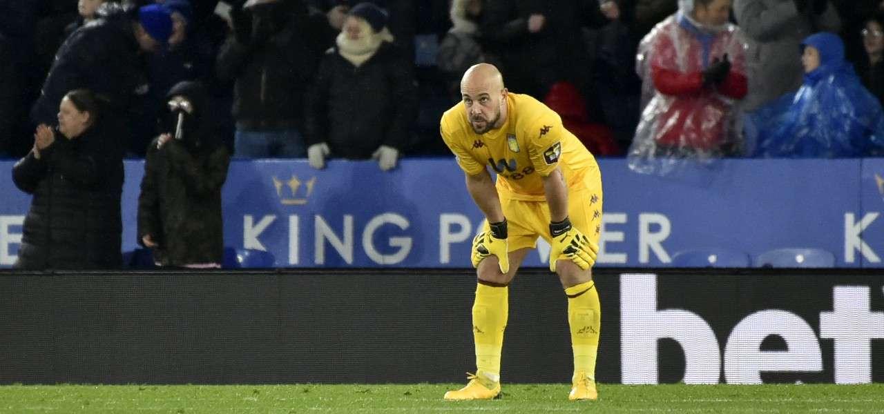 Pepe Reina Aston Villa giallo lapresse 2020