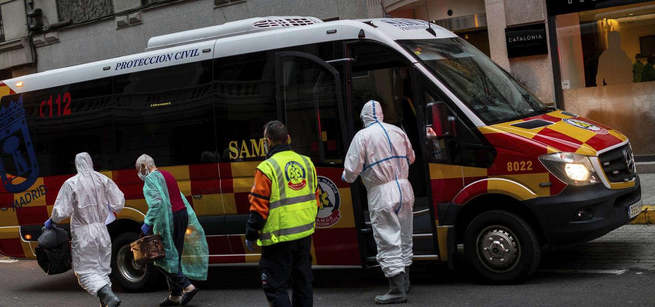 Madrid Ambulanza Coronavirus Lapresse1280