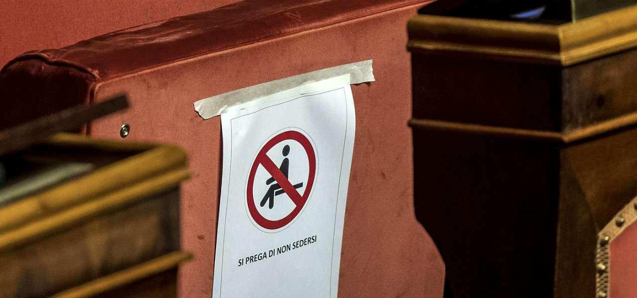 Coronavirus parlamento non sedersi lapresse 2020