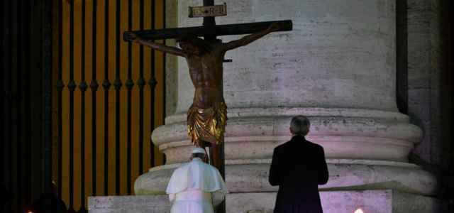 Papa Francesco Crocifisso