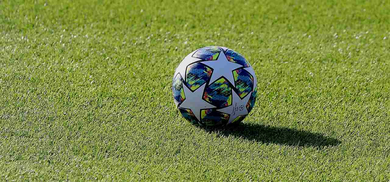 pallone champions league lapresse 2020