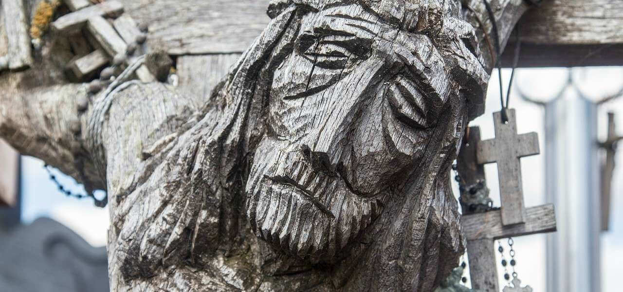 lituania cristo croce fede cristianesimo 1 lapresse1280