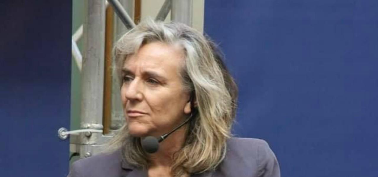 Giovanna Botteri microfono facebook 2020
