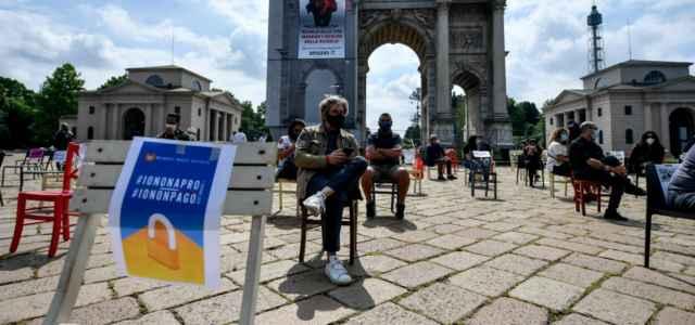 Protesta ristoratori Milano lapresse 2020 640x300