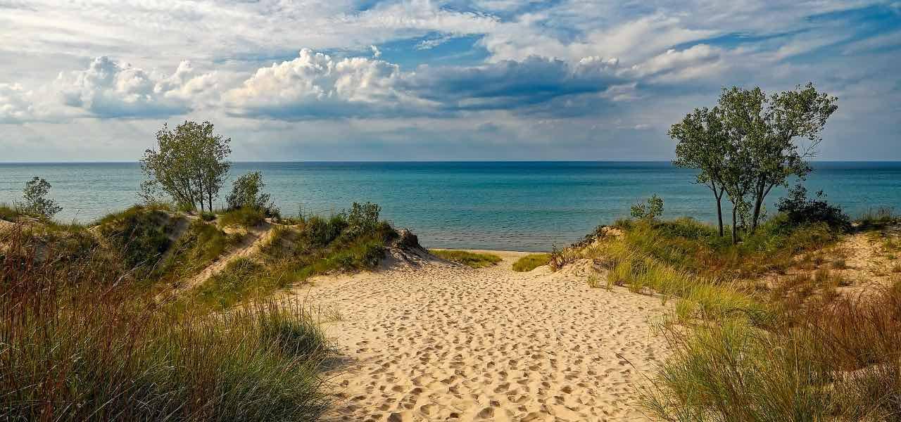 spiaggia mare vacanze pixabay