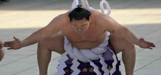 Lottatore sumo lapresse 2020 640x300
