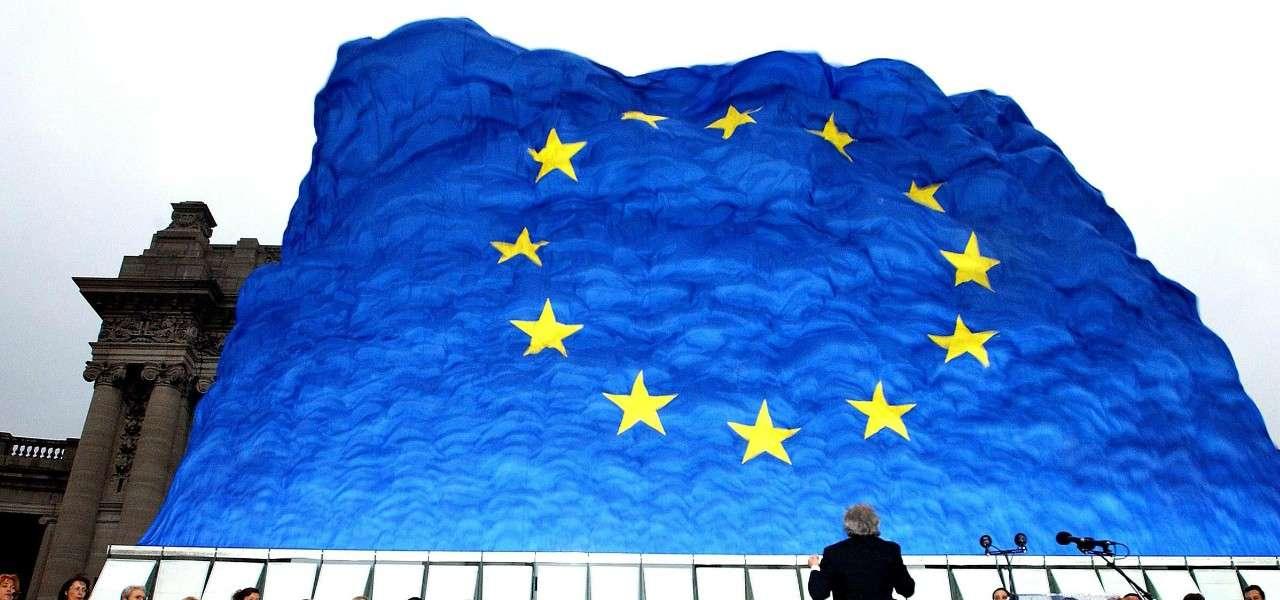 Unione Europea bandiera lapresse 2020