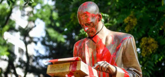 Montanelli Statua Imbrattata Lapresse1280 640x300
