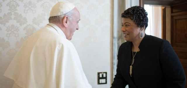 Papa con la figlia di Martin Luther King