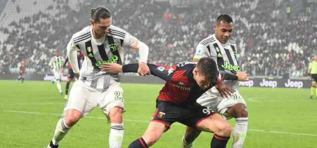 Raboit Alex Sandro Pinamonti Juventus Genoa lapresse 2020 640x300