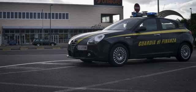 Guardia finanza auto lapresse 2020 640x300