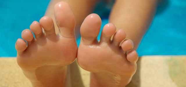 piedi nudi pixabay 640x300