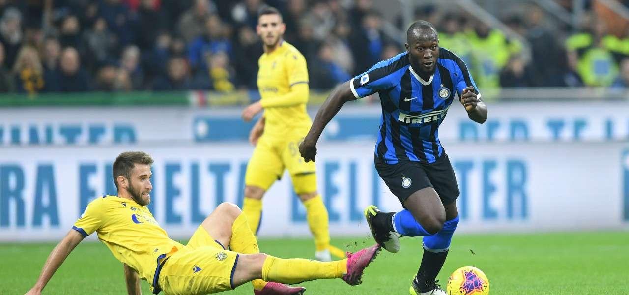Lukaku Veloso Inter Verona lapresse 2020