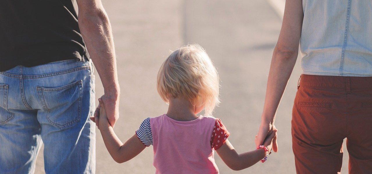 famiglia figli genitori pixabay 2020