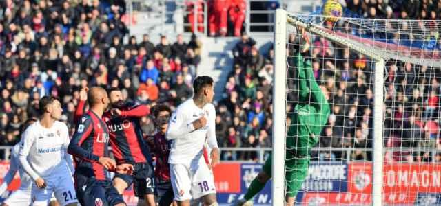 Bologna Fiorentina gol mischia lapresse 2020 640x300