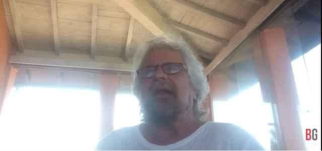 Grillo torna in video