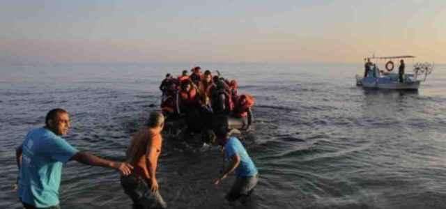 Grecia Migranti Gommoni Facebook
