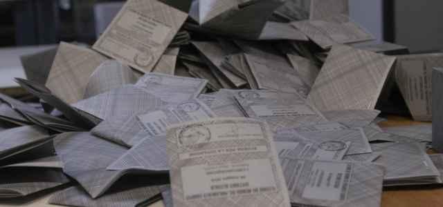 elezioni schedeelettorali spoglio 4 lapresse1280 640x300