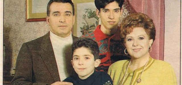 Una foto di famiglia di Orietta Berti in compagnia del marito Osvaldo e dei figli Omar e Otis