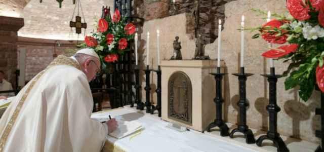 papa francesco enciclica 2020 twitter 640x300