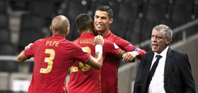Pepe Cancelo Ronaldo Santos Portogallo lapresse 2020 640x300