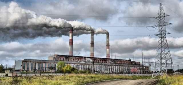 inquinamento ciminiere pixabay1280 640x300
