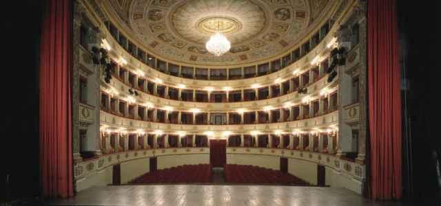 teatro vuoto 640x300