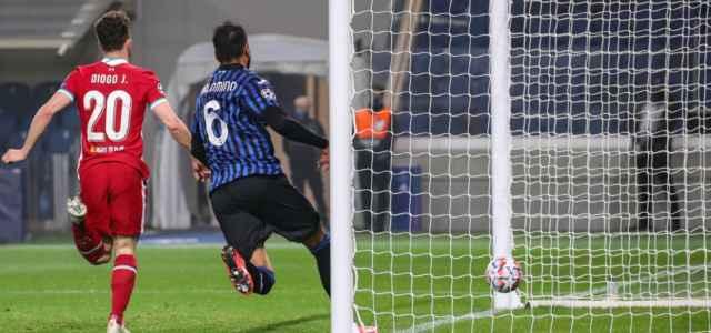 Diogo Jota Palomino gol Liverpool Atalanta lapresse 2020 640x300