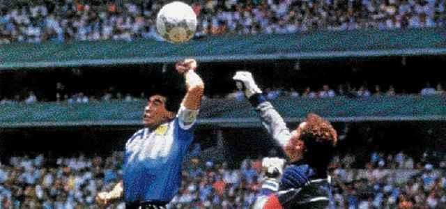 Maradona Mano Dios Shilton Facebook 2020 640x300
