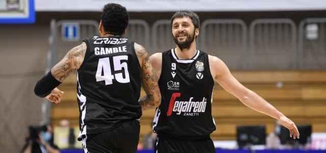 Gamble Markovic Virtus Bologna sorriso facebook 2020 640x300