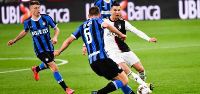 Cristiano Ronaldo De Vrij Barella Juventus Inter lapresse 2021 640x300