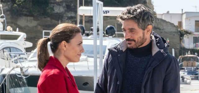 Giuseppe Zeno e Serena Rossi in una scena del film 'Mina Settembre'