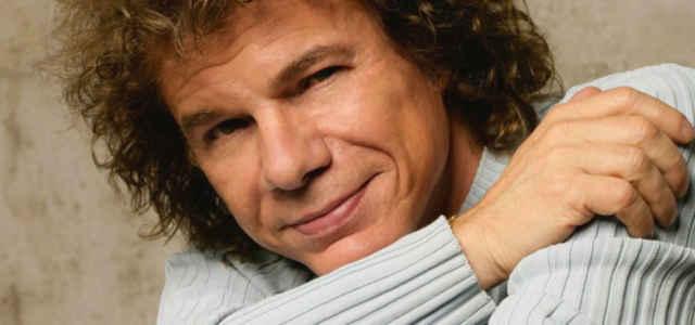 Il cantautore Riccardo Cocciante