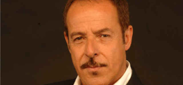 L'attore Massimo Lopez